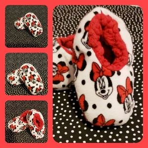 Minnie mouse Slippers size 2T to 3T